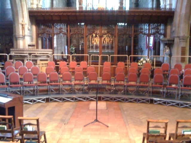 staging for seated choirs